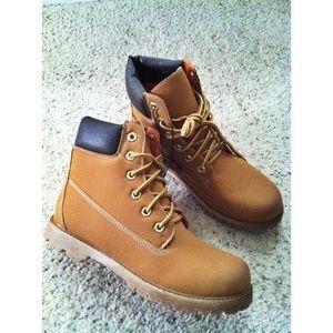 Shoes - Tan & Black Combat Hiking Boots